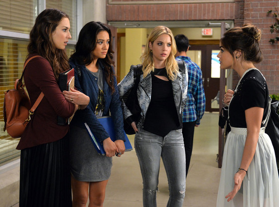 "11 ways ""Pretty Little Liars"" ~perfectly~ captures female friendship"