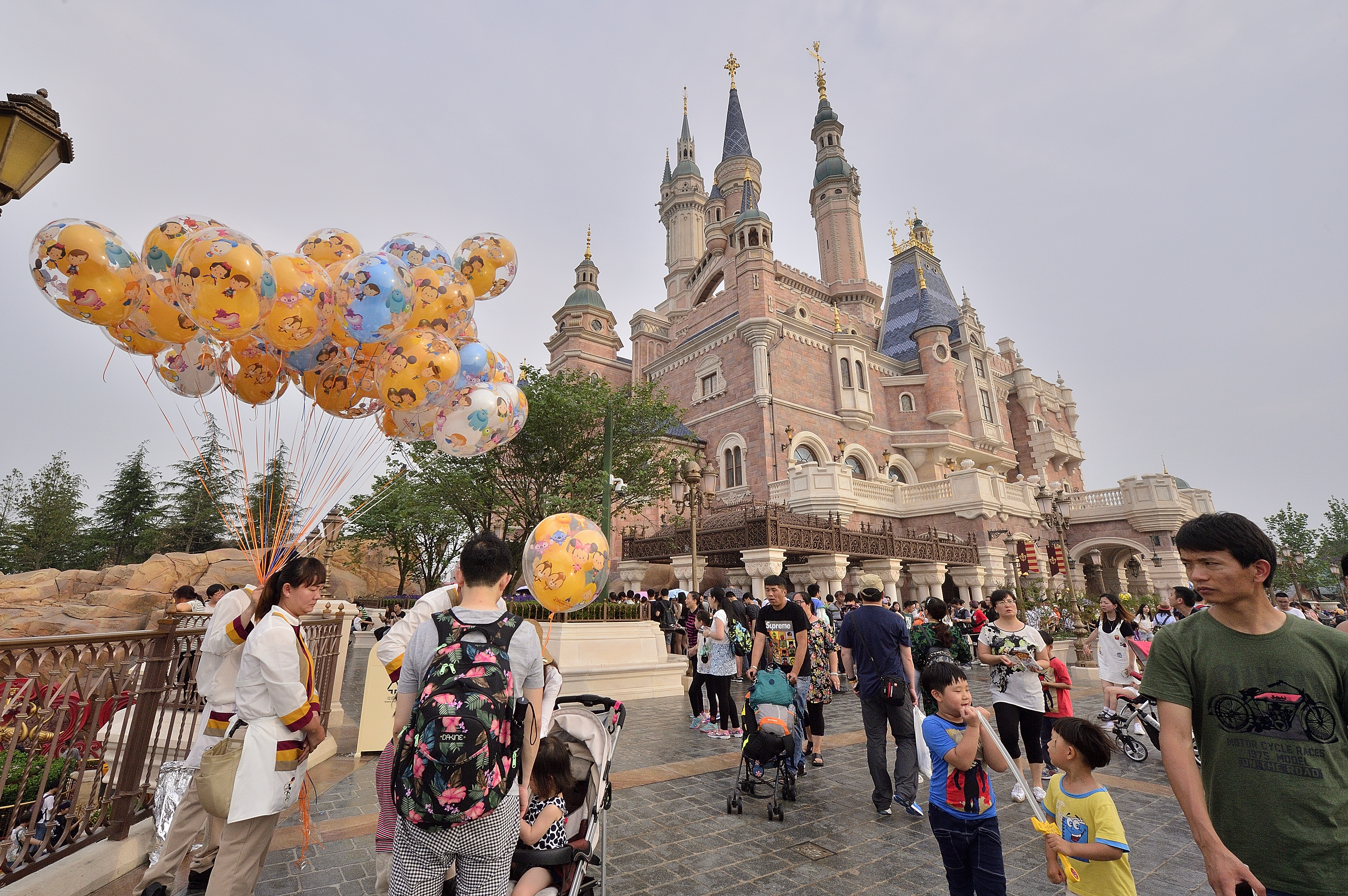 The Disney princesses got a GOLDEN makeover for Shanghai Disneyland