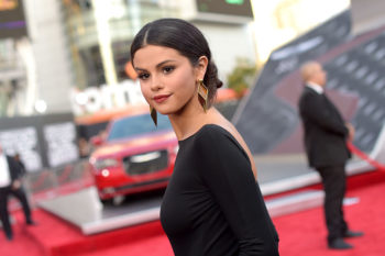 Selena Gomez just used this old school app to filter her latest Instagram pic