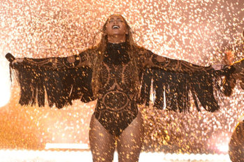 Beyonce opened the BET Awards, owned everything