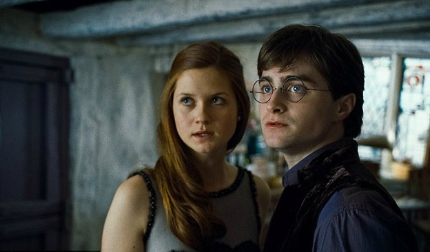 "Daniel Radcliffe talks about how hard it was to go on a date because of ""Harry Potter"""