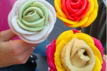 These gelato flowers look too good to eat!