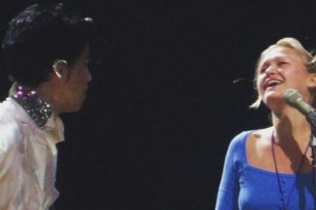 This is the cute story behind that photo of Julia Stiles singing onstage with Prince
