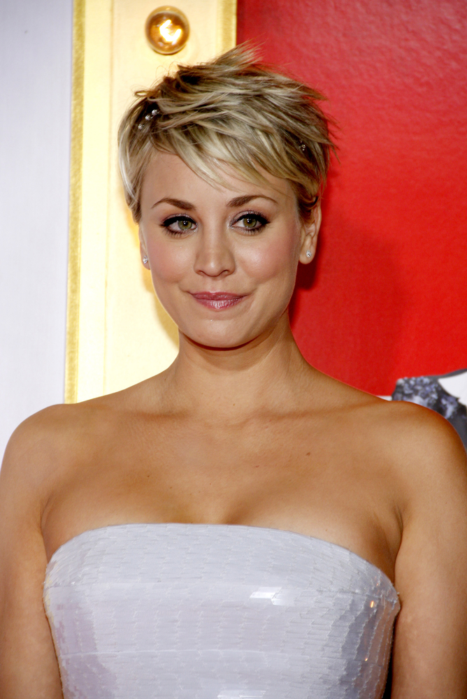 Kaley Cuoco S New Summer Hairstyle Is A Total Blast From