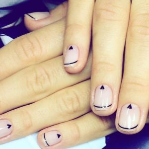 17 minimalistic nail designs that will inspire you to get your nails did this weekend