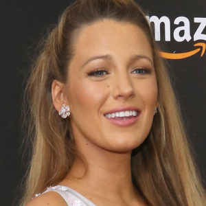 Blake Lively just nailed ~maternity-chic~ in a pocketed mini dress fit for a queen