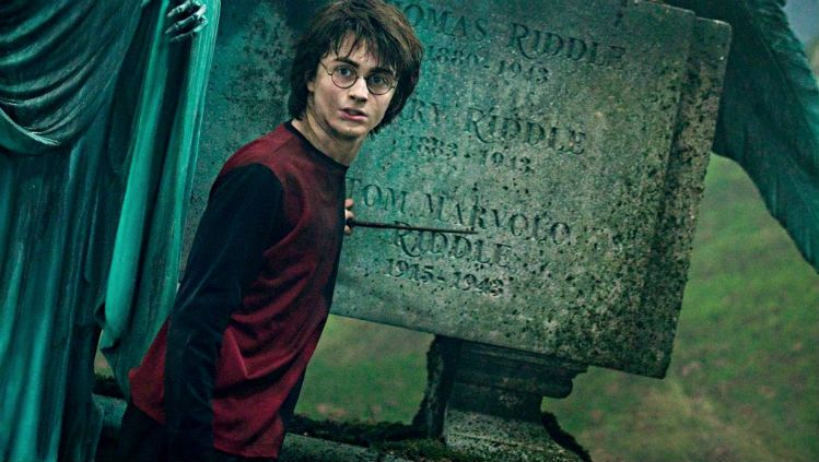 """Oh my gosh, is there a ~secret~ """"Harry Potter"""" movie in the works?"""