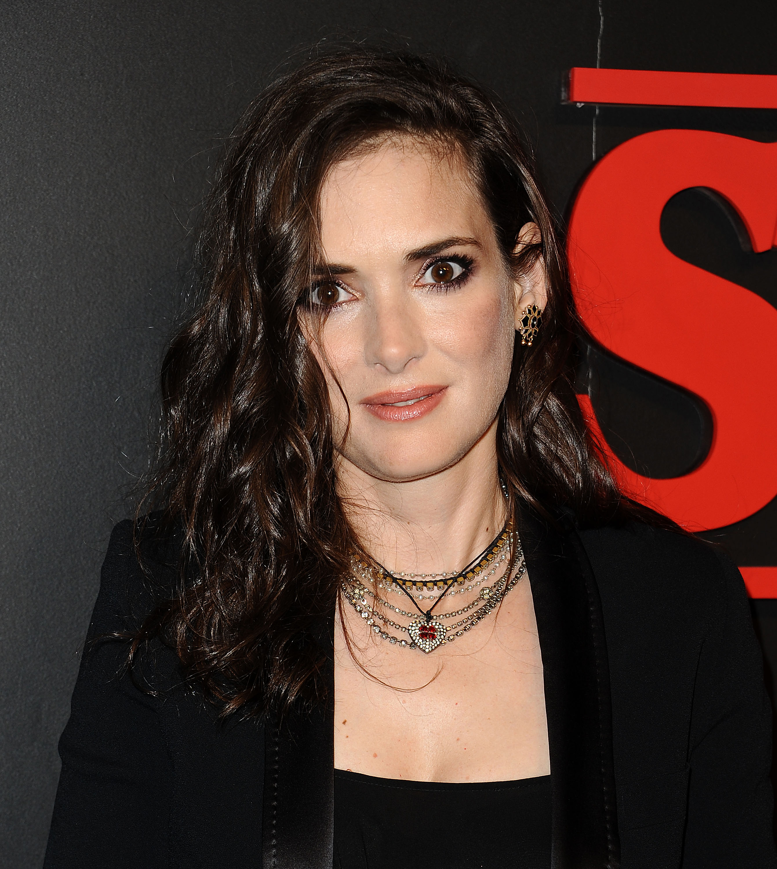 "Winona Ryder states that her infamous shoplifting incident ""wasn't what people think"""