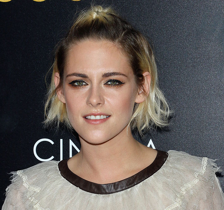 Kristen Stewart looks like a glam pirate princess in this red carpet gown