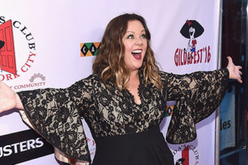 Melissa McCarthy is the strongest woman in the world and this photo proves it