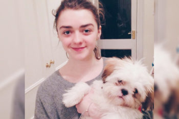 Maisie Williams trying to get her dog to Snapchat is all of us