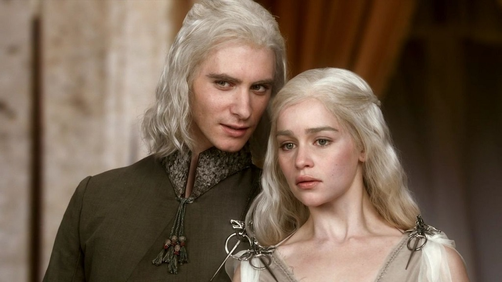 Daenerys' brother Viserys Targaryen looks like a total gentleman in real life