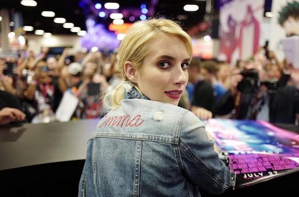 We adored Emma Roberts' delicate goth look at Comic-Con
