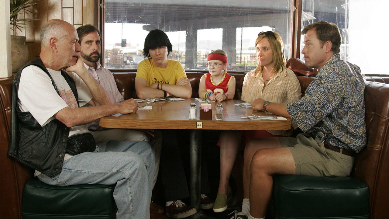 """The cast of """"Little Miss Sunshine"""" is still a kick-ass looking family 10 years later"""
