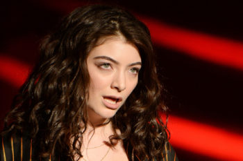 Lorde had a hilarious Uber journey so decided to live tweet it
