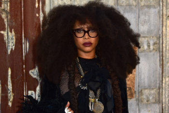 Um, Erykah Badu just did a bunch of palm readings on Twitter and it was so hilarious