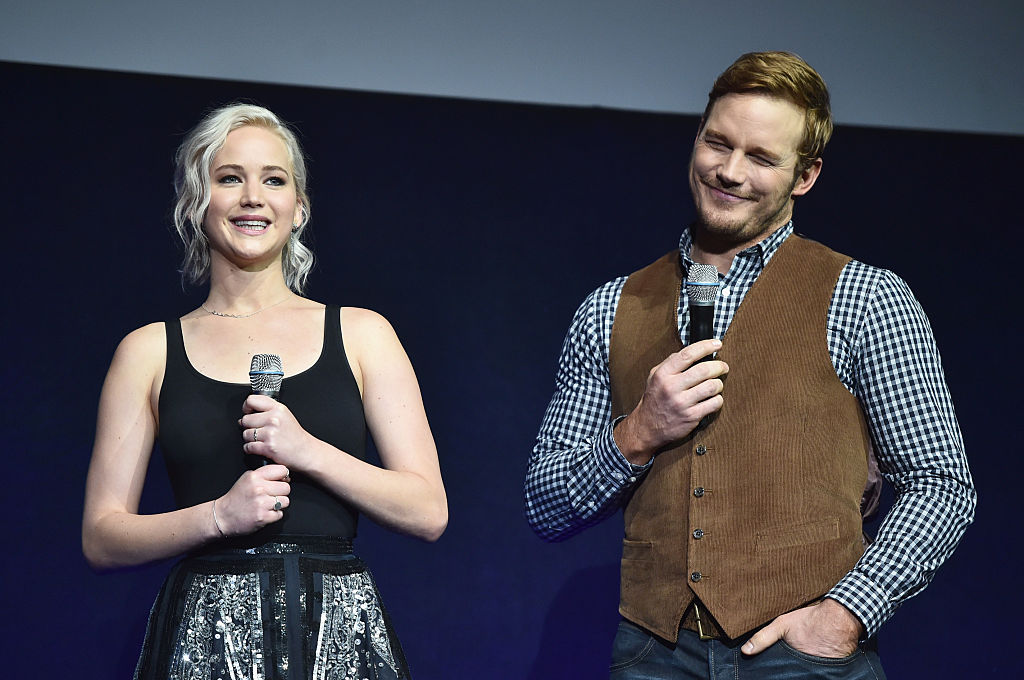 Chris Pratt just let us know what it was like having on-screen sex with Jennifer Lawrence