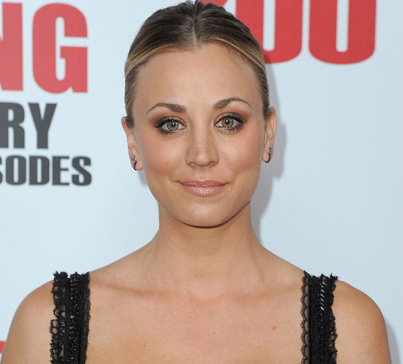 """Big Bang Theory"" star Kaley Cuoco posts a super cute vid of herself smooching the ""best kisser"""