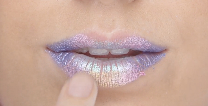 Oil slick lips are here and they're next-level gorgeous