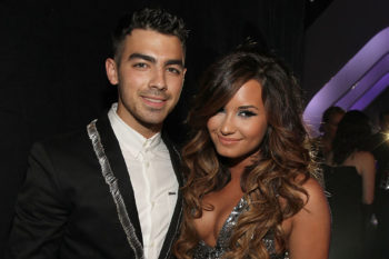 "Demi Lovato and Joe Jonas performed their duet from ""Camp Rock"" last night and it's everything"