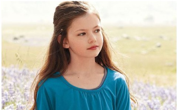 """""""Twilight's"""" Renesmee is all grown up and taking on a major new role!"""
