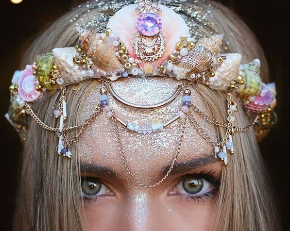 Mermaid crowns have dethroned flower crowns and we couldn't be happier