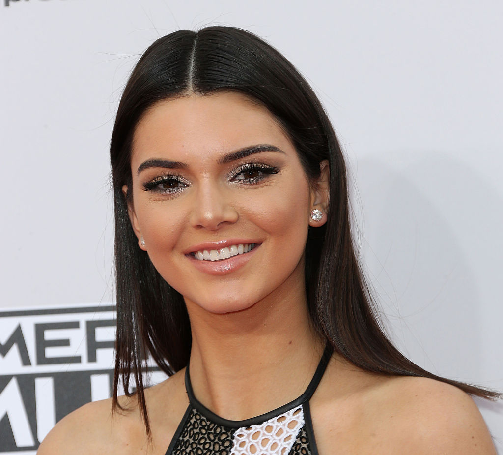 Kendall Jenner just started a super inexpensive fashion trend and we want in