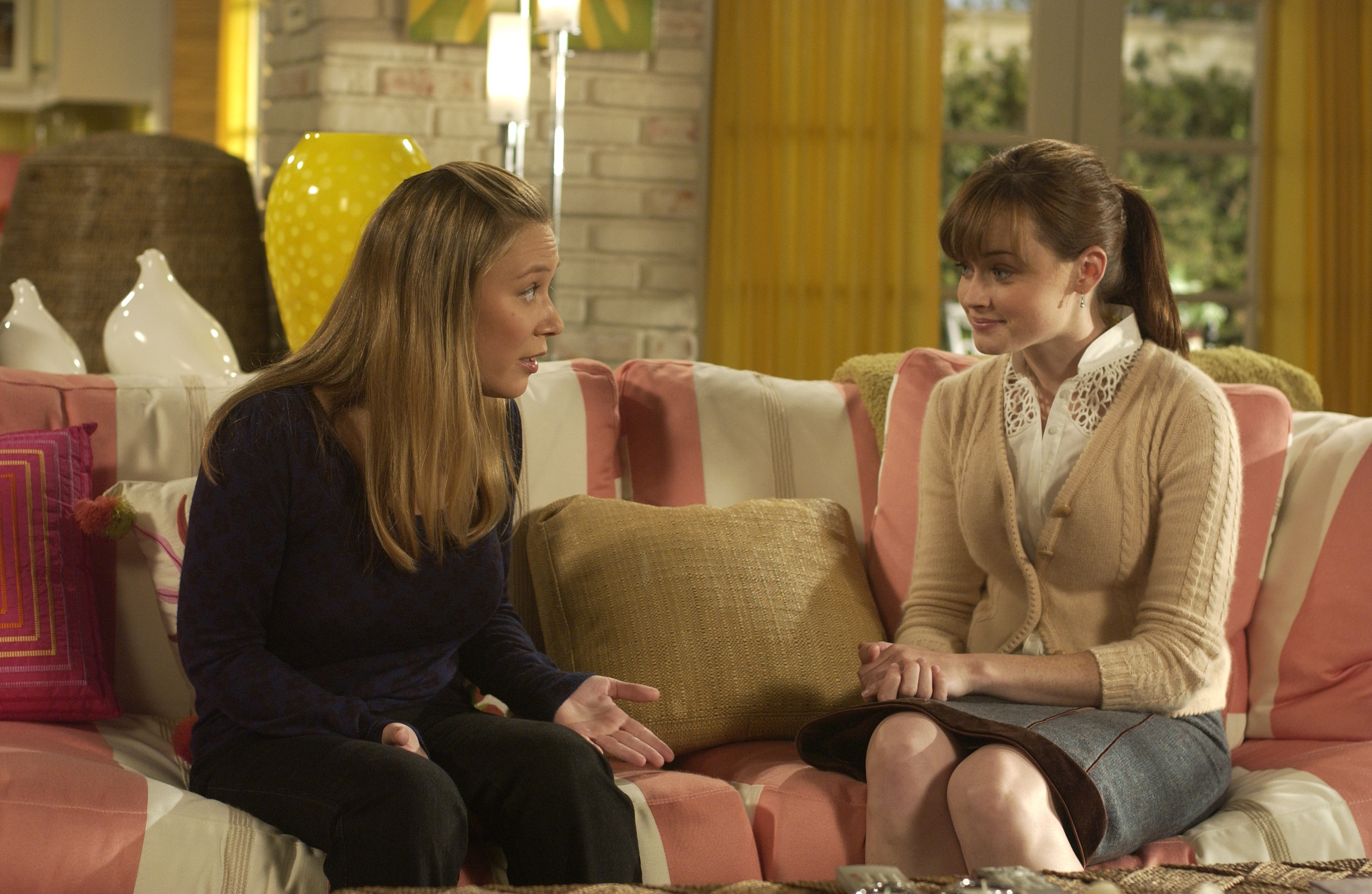 "Clear your schedule, there's going to be a ""Gilmore Girls"" marathon before the revival"