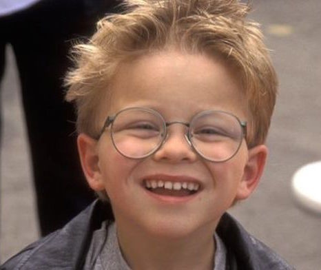 "This is what the little boy from ""Stuart Little"" looks like today (Hint: He's GORGEOUS!)"