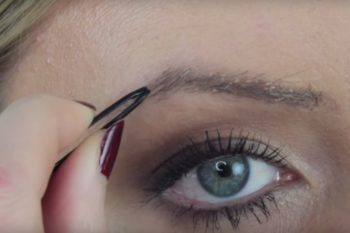 This beauty vlogger's DIY eyebrow hack will seriously shock you