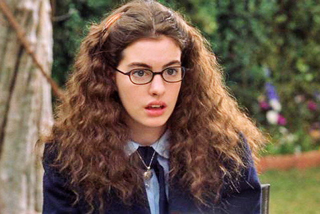 """Anne Hathaway celebrated the 15th anniversary of  """"The Princess Diaries"""" in the most perfect way possible"""
