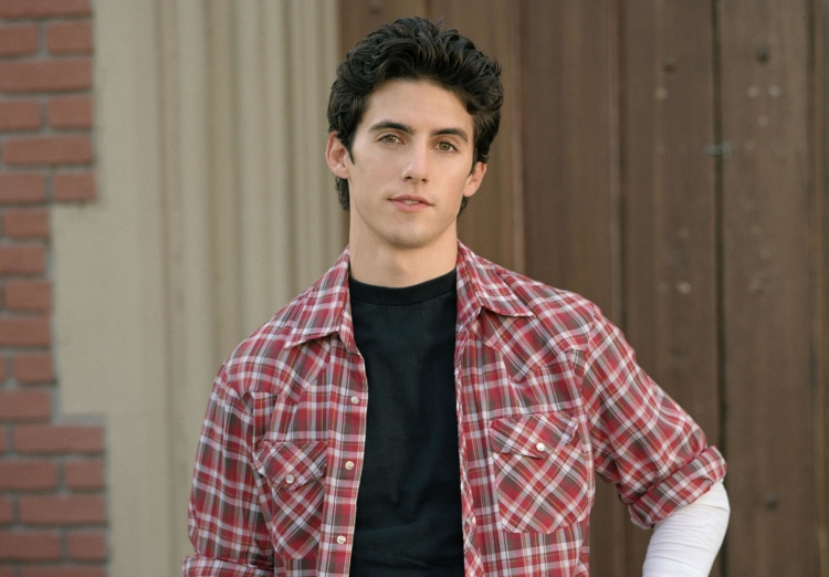 "Jess (aka Milo Ventimiglia) from ""Gilmore Girls"" has aged like a Greek god"