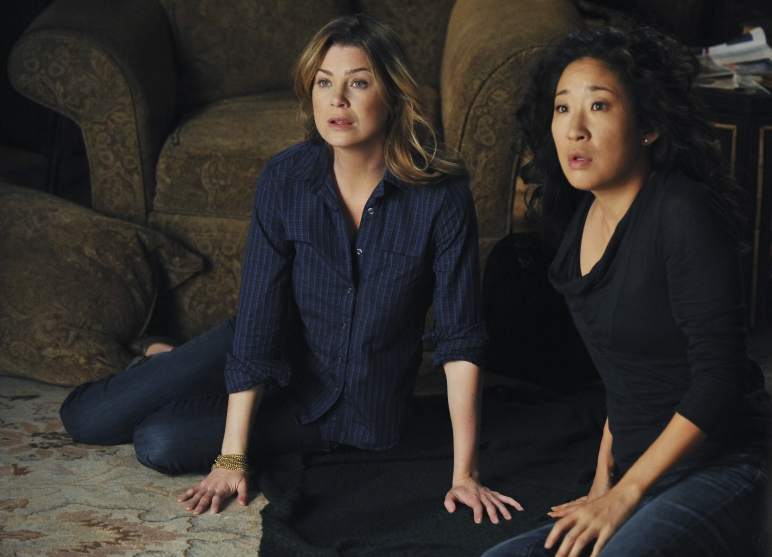 This 'Grey's Anatomy' star is pregnant and we're dying to know if her character will be too
