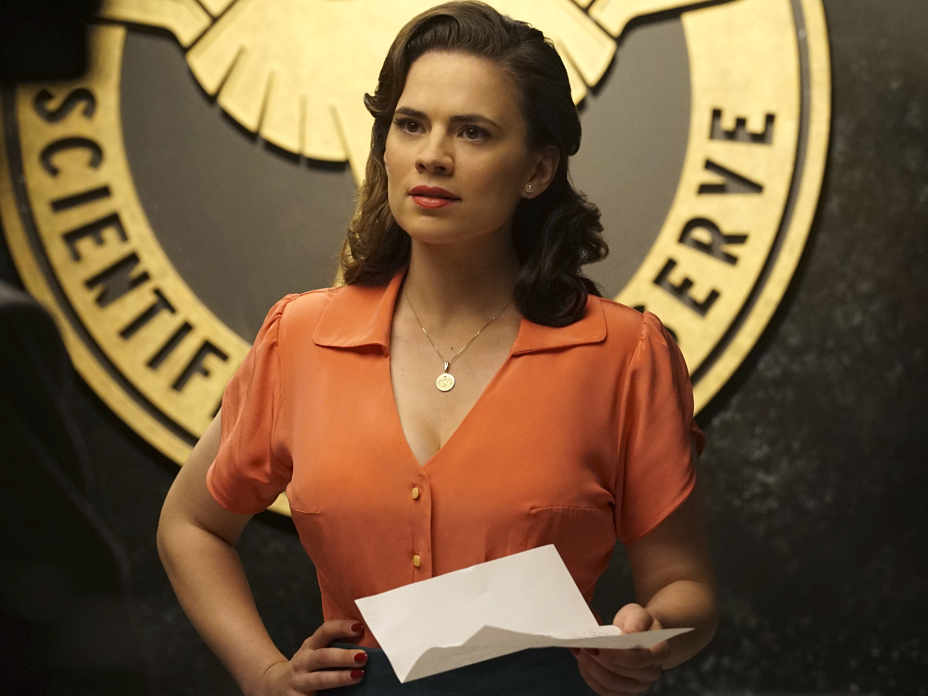 "Hayley Atwell just read our minds when it comes to that ​*maybe*​ ""Agent Carter"" revival"