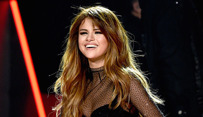 7 times Selena Gomez reminded us of these retro fashion icons