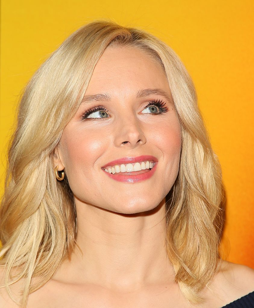 Kristen Bell had such an important response to a tweet about immigration