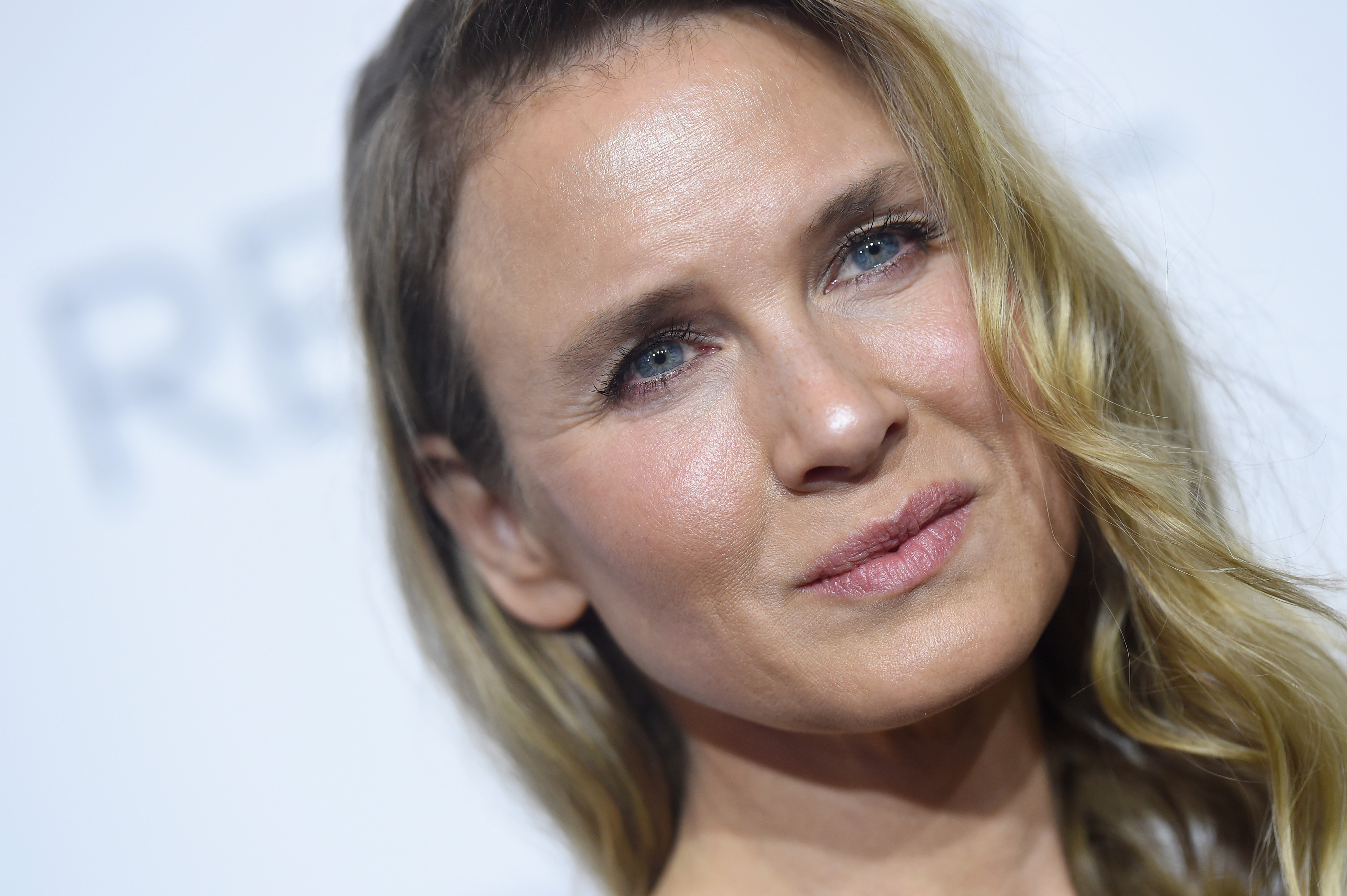Renée Zellweger pens an amazing op-ed on the toxic culture of humiliation