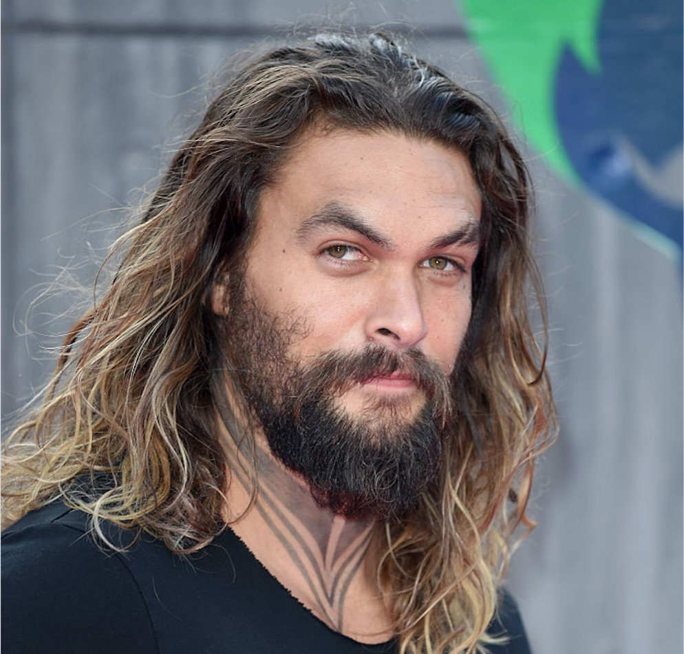 A shirtless Jason Momoa posted the sweetest message for his wife, we swoon