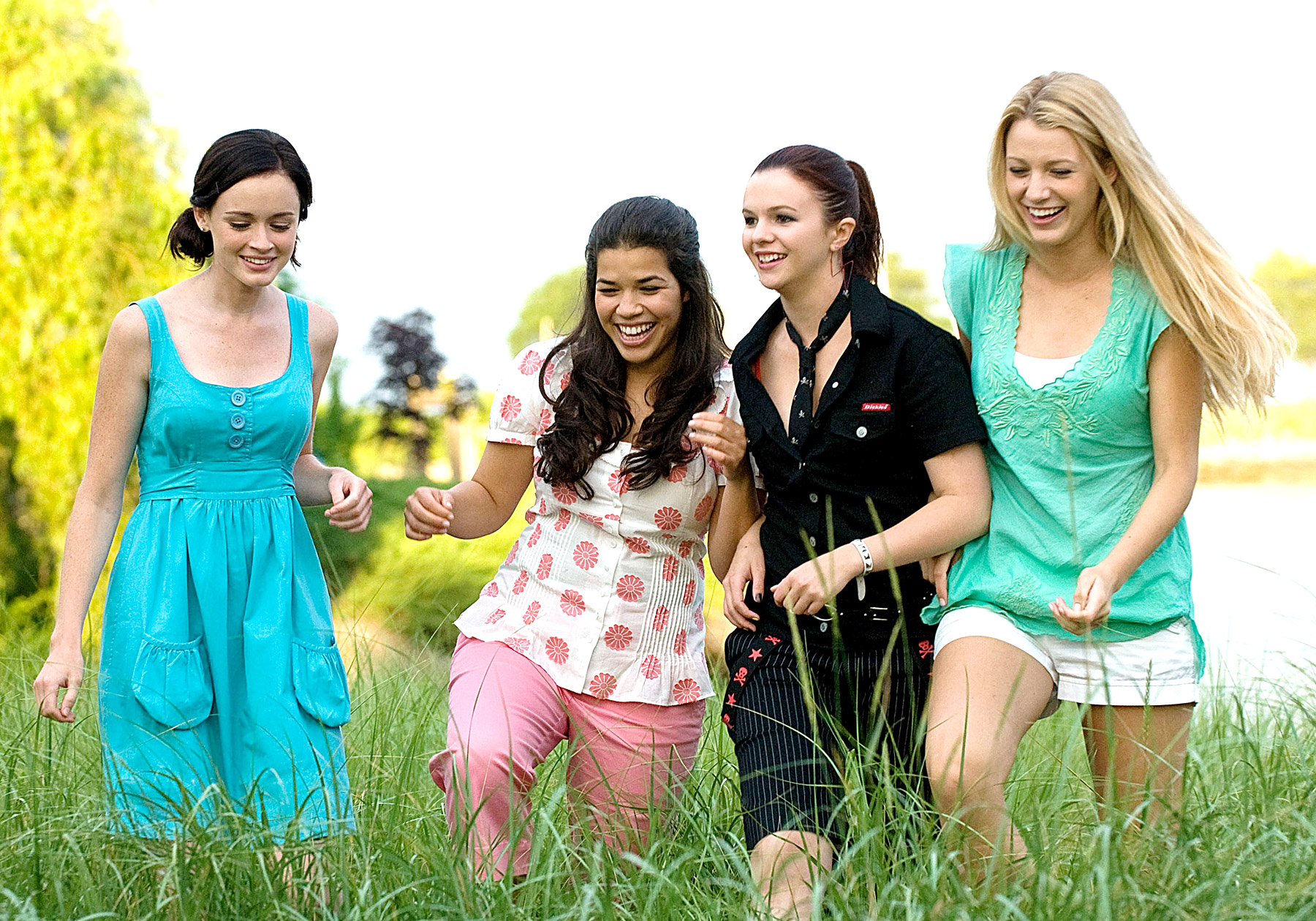 """A new member was just initiated into the """"Sisterhood of the Traveling Pants"""" fam"""