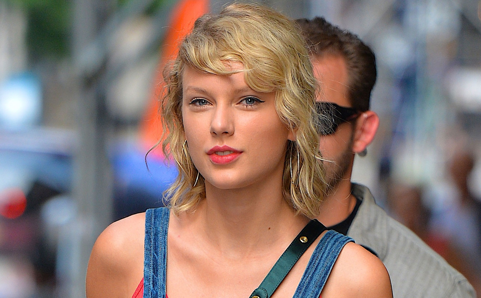 PSA: Taylor Swift dyed her hair again, and it's giving us blonde-envy