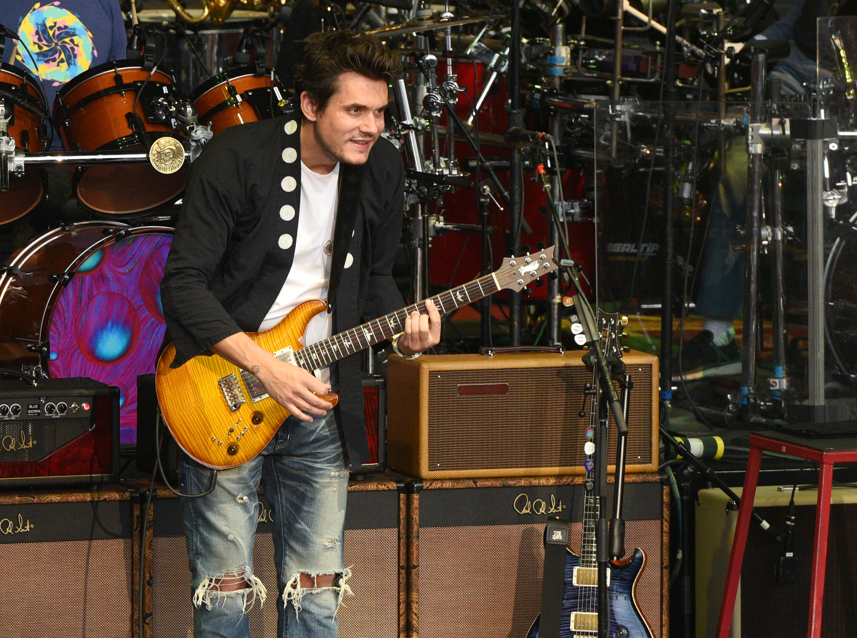 John Mayer turned into a beauty vlogger on Snapchat and it's pretty hilarious