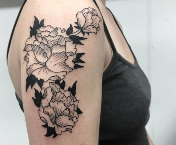 14 gorgeous blackwork tattoos that'll have you ready to abandon color forever