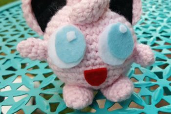 This woman is crocheting Pokémon and leaving them at real PokéStops for gamers to find