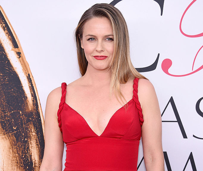 """""""Clueless"""" star Alicia Silverstone's son looks like her twin in this mother-son pic"""