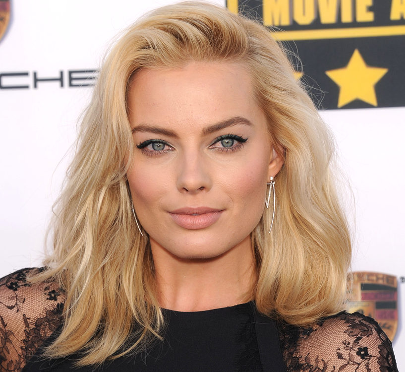"This is why Margot Robbie likes to have a ""beer shower"" at the end of a long day"