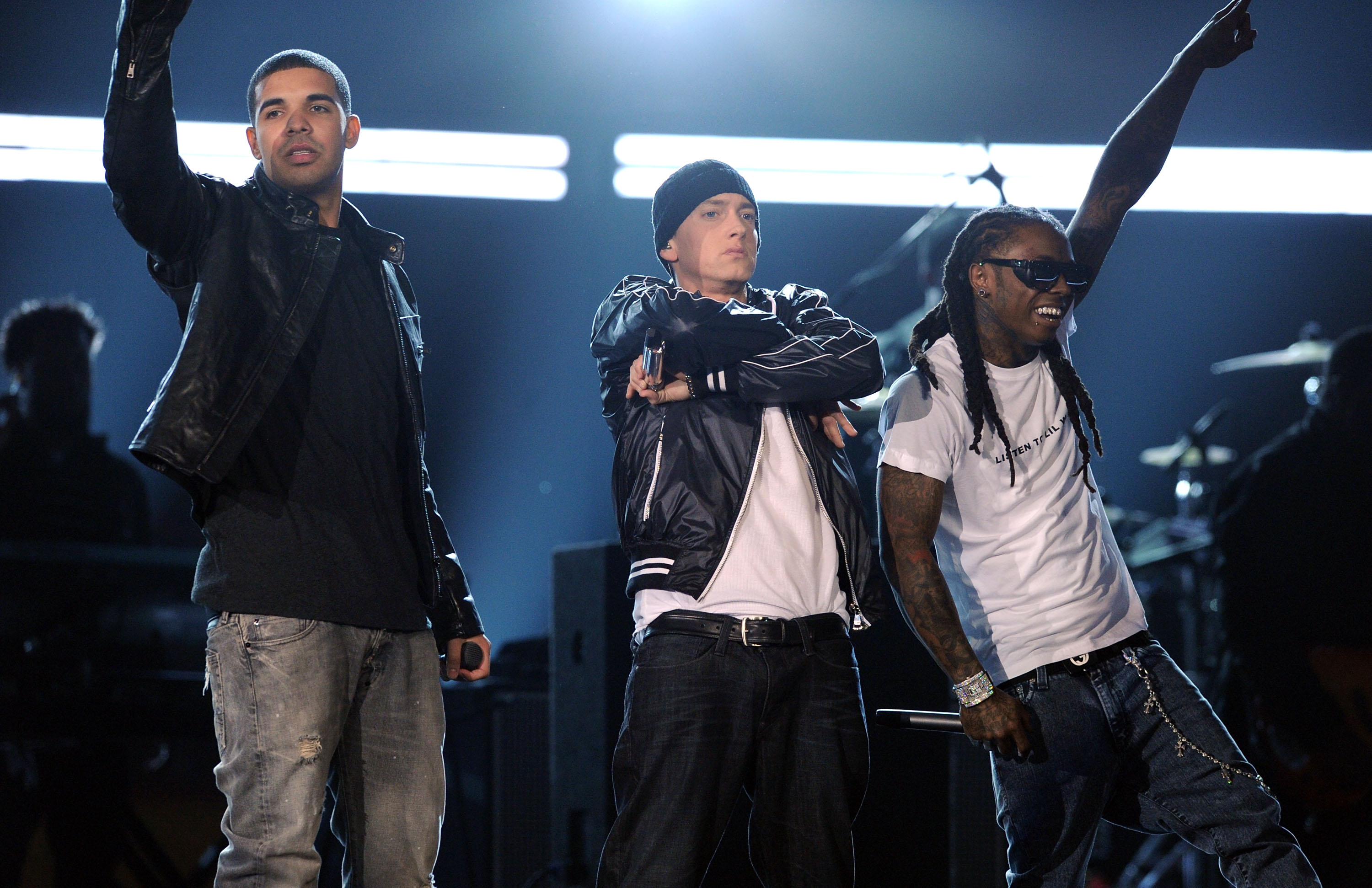 Drake and Eminem were onstage together, looking totally friendly, no signs of beef anywhere