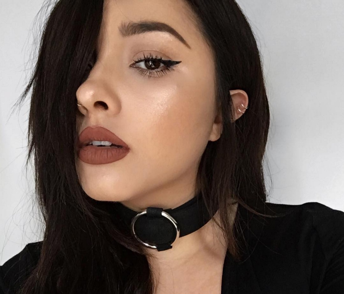 It's official: The choker is *the* style for fall, and here's a bunch of ways to rock one