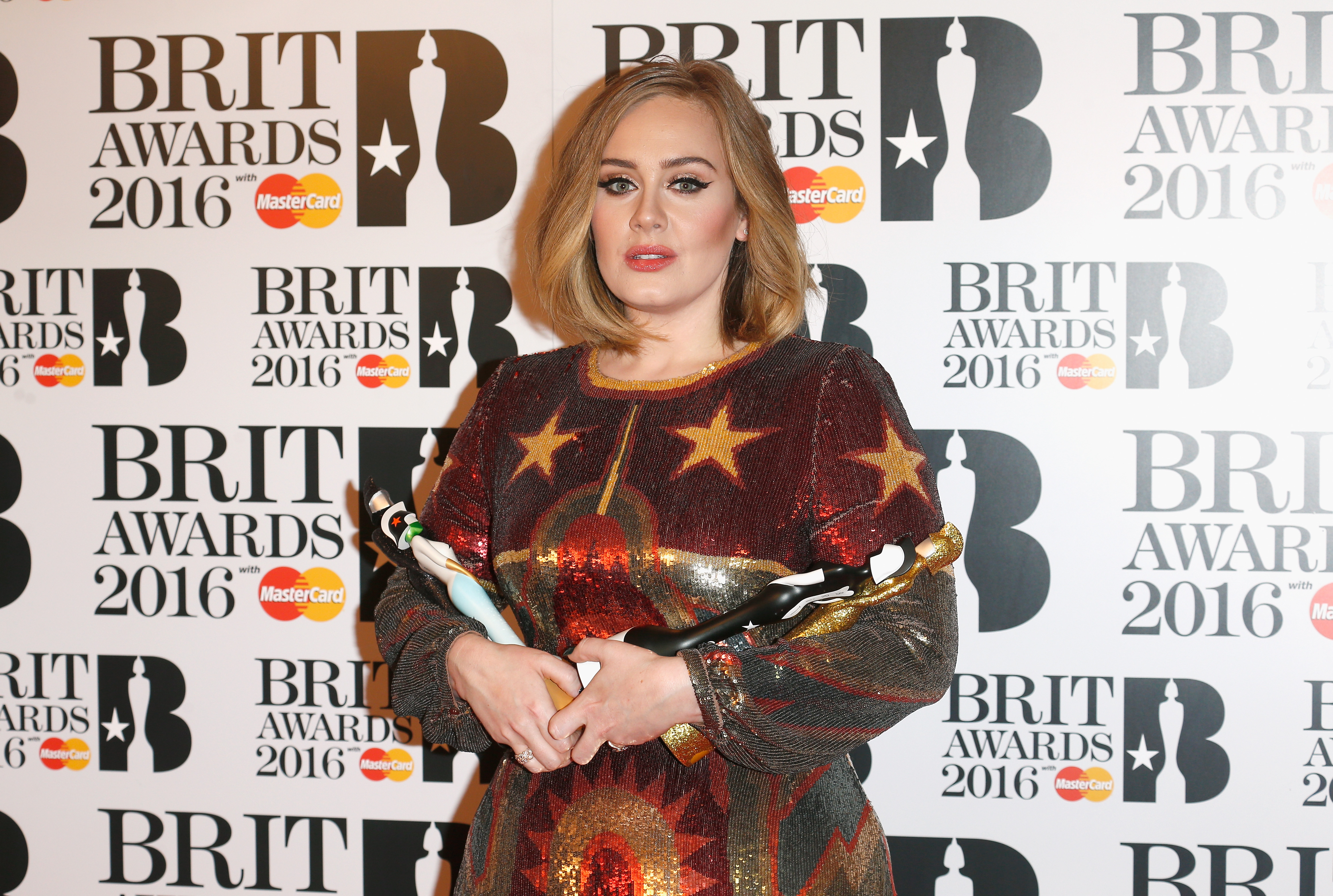 Adele is perfection in this no-makeup selfie