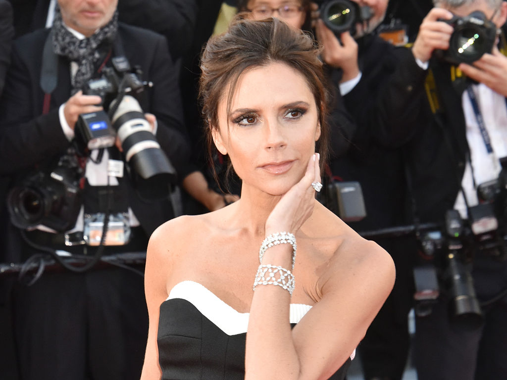 Victoria Beckham just did her makeup in five minutes flat and we're impressed