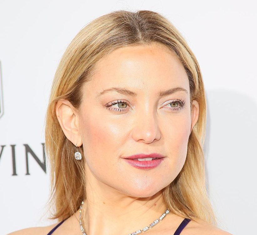 Kate Hudson let her son do her makeup and it got colorful